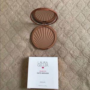 New Laura Geller Baked matte bronzer medium